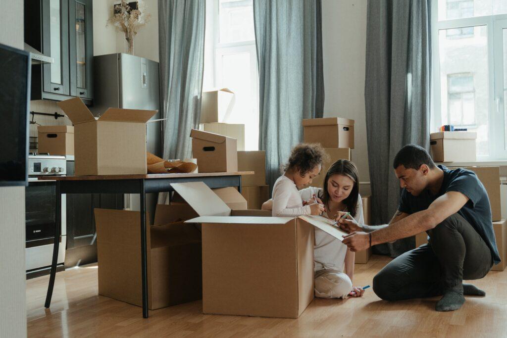Een goedkope verhuizing en inrichting van je nieuwe woning doe je zo